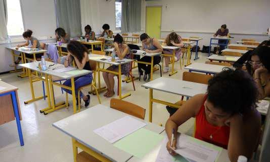 """Spécial """"Les élèves de terminale planchent sur la première épreuve de philosophie, jeudi 15 juin 2017..."""" - Image n° 1/2 !..."""