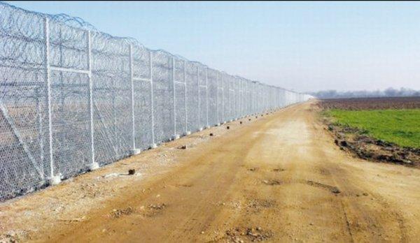 """Spécial """"Un mur à la frontière algéro-marocaine..."""" - Image n° 1/2 !..."""