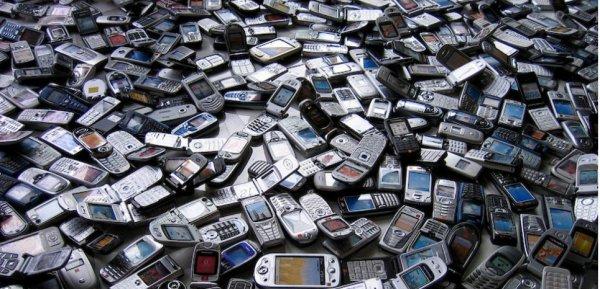 "Spécial ""Obsolescence forcée organisée par Apple, Samsung et Microsoft..."" - Image n° 1/2 !..."