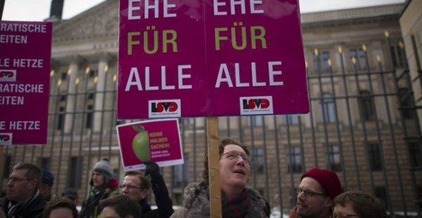 """Spécial """"Allemagne : le mariage pour tous a été voté..."""" - Image n° 2/2 !..."""