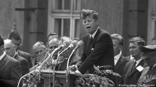 """Spécial """"Trump au G20, à Hambourg, se prend pour Kennedy..."""" - Image n° 1/3 !..."""