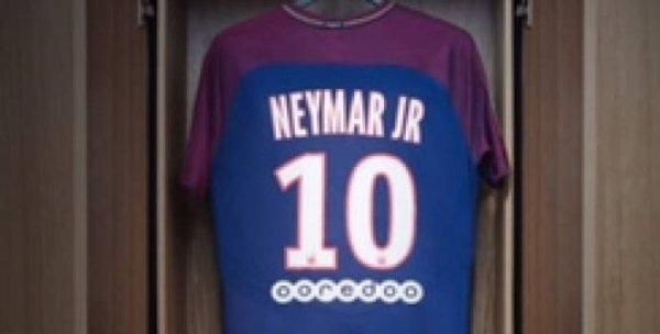 """Spécial """"Neymar au PSG, c'est officiel 1..."""" - Image n° 1/2 !..."""