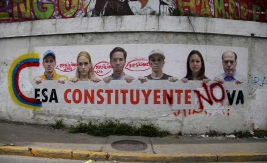 """Spécial """"Venezuela : la Constituante ouvre sa séance inaugurale, l'opposition manifeste..."""" - Image n° 1/2 !..."""