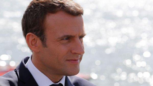 """Spécial """"Macron dévisse dans les sondages..."""" - Image n° 1/2 !..."""
