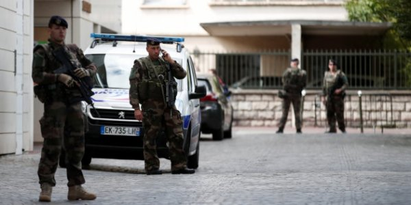 """Spécial """"Levallois-Perret : les terroristes ont frappé les forces de l'ordre..."""" - Image n° 1/3 !..."""