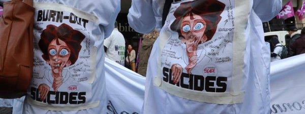 """Spécial """"Les hôpitaux manquent cruellement de personnel..."""" - Image n° 2/3 !..."""