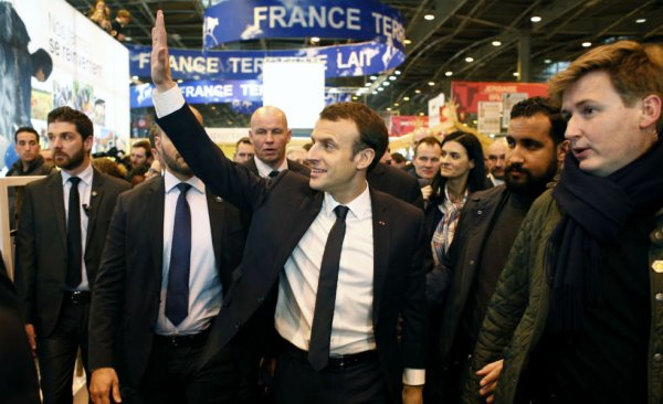 "Spécial ""Emmanuel Macron TÊTE D'¼UF..."" - Image n° 1/5 !..."