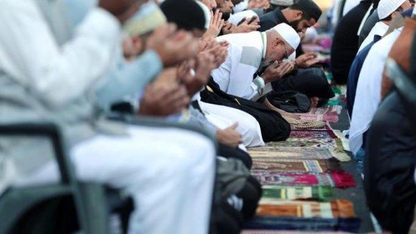"""Spécial """"Ramadan : la venue de centaines d'imams étrangers préoccupe..."""" - Image n° 1/2 !..."""