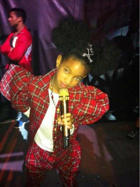 Willow Smith dans les Backstages du Staple Center.