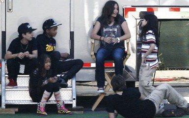 Willow, Jaden Smith et Moises Arias ont rencontrer Prince, Paris &Blanket Jackson. ( Les Enfants De Michael Jackson).