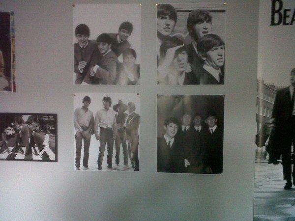 mes nouvelles petites affiches des Beatles !:'D