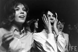 photos de fans des Beatles ... pas trop indifférent après leur passage lol