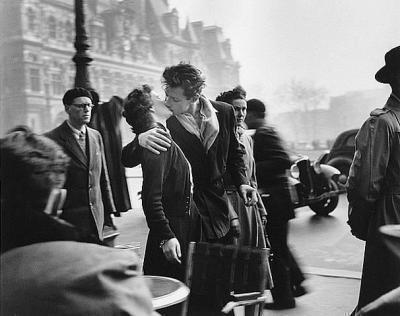 """""""Si stupide que soit son existence, l'homme s'y rattache toujours."""" ___  Arthur Rimbaud."""