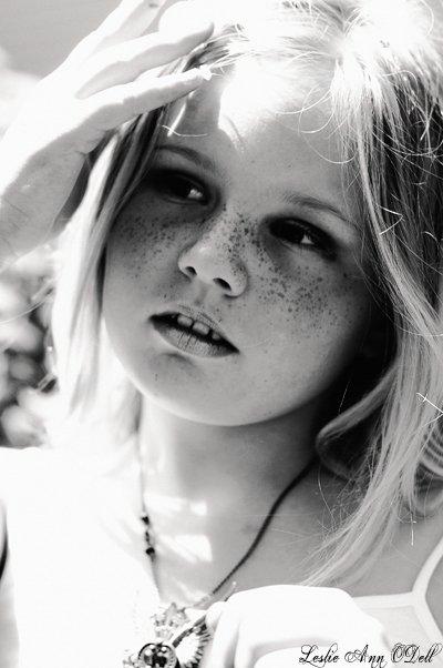 Les enfants n'ont ni passé ni avenir et, ce qui ne nous arrive guère, ils jouissent du présent[ Jean de la Bruyère ]