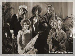 Catégorie : Apparition Officielle  Le 19.09.10 Alexa à un dîner organisé par Mulberry.