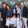 Mario Lopez, Courtney Mazza, Roselyn Sanchez, Eric Winter, Dominic, Gia et Sebella Rose