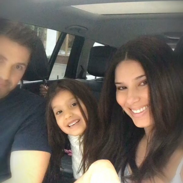 Eric Winter, Roselyn Sanchez et Sebella