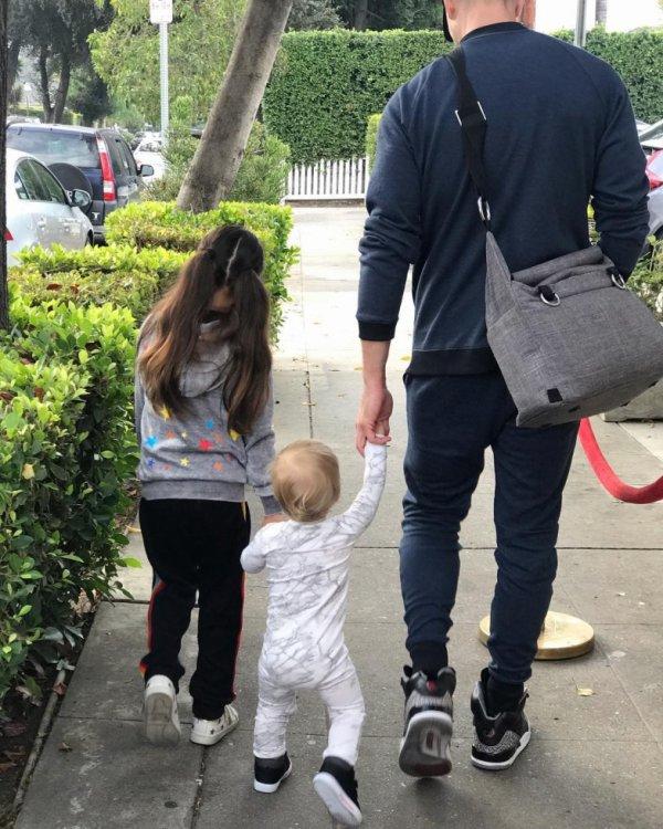 Eric Winter, Sebella et Dylan