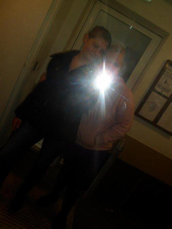 moi et ma soeur les belle gosse mdrr :)