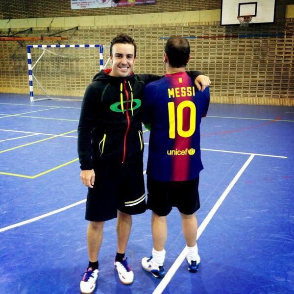 Esta mañana partido d fútbol con amigos. Ayer el Madrid no pudo, pero hoy confiamos y animamos al Barça. Messi power