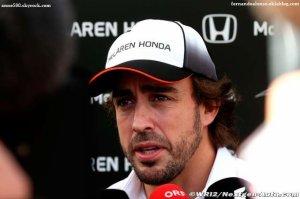Alonso attend le feu vert de la FIA