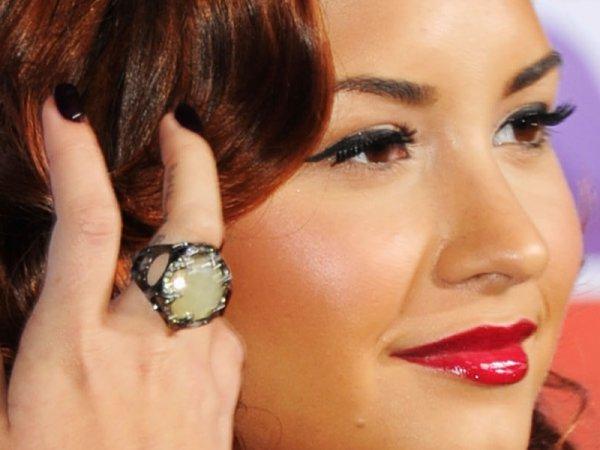 Demi aux 12e Annuels Grammy Award à Las Vegas.