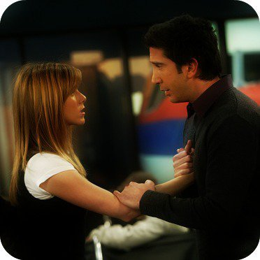 « - Tais-toi. Juste tais-toi ! Tu n'as pas à me dire qu'on n'est pas ensemble sans raison. On est ensemble car je t'aime et tu m'aimes. Et rien d'autre ne compte. On est ensemble. Et si tu veux coucher avec quelqu'un d'autre, ok mais je ne veux pas te perdre.»
