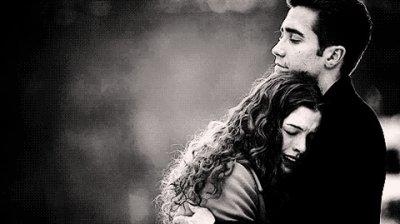 « Ne t'enfuis pas mon amour, et si tu le fais je t'en pris, enmène moi ... »