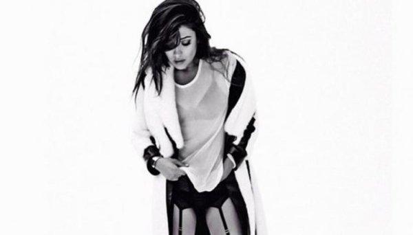 Shay Mitchell tenu plutôt sexy !