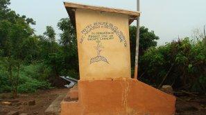Constructions des WC ( toillettes ) publics dans des villages