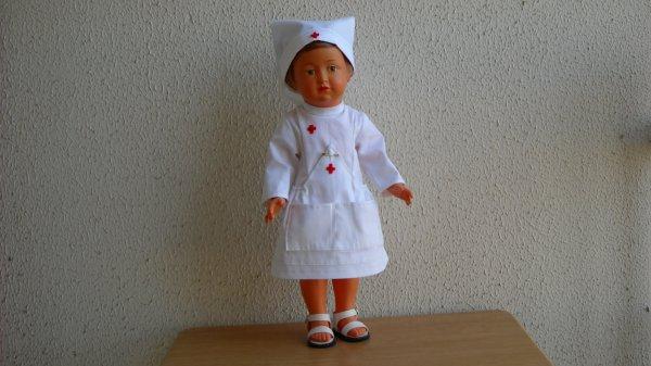 Françoise, infirmière au gentil sourire.