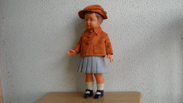 Françoise en tenue d'automne.