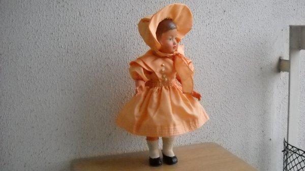 Voici la tenue de fete de Françoise.