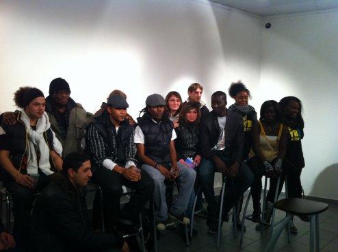 Entretien avec un groupe de jeunes, après le concert de VYBZ Etnik à la maison de l'étudiant, unversité du Havre ( le 8 février).