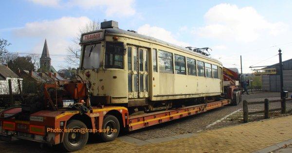 La S.9063 arrive à Thuin.