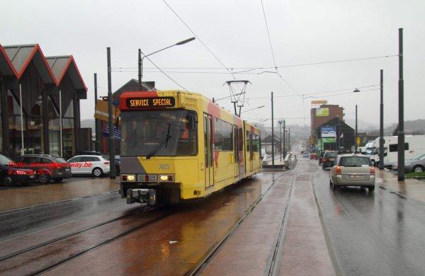 Sortie de la 7415 sur la Chaussée de Bruxelles.