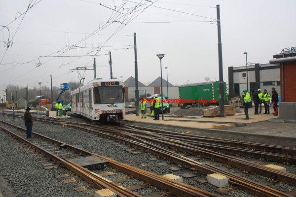 La 7454 atteint Gosselies gare vicinale.....                                      Le 28 février 2013