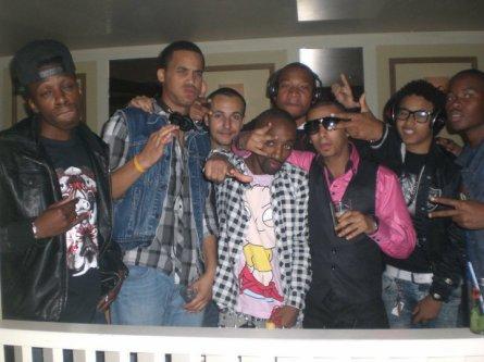 THE CREAMiiiZ Crew