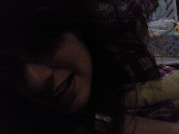 * C'est parfois dans un regard, un sourire, que l'on peut faire comprendre ce que l'on a jamais su dire.*