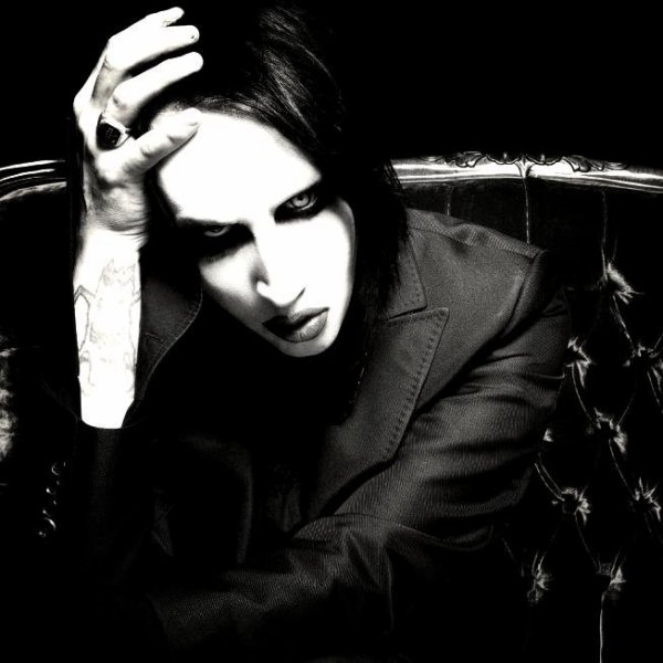•| Actualités sur Marilyn Mansonen 2013 | •