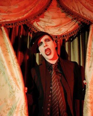 . • Marilyn Manson au Zenith de Paris • .