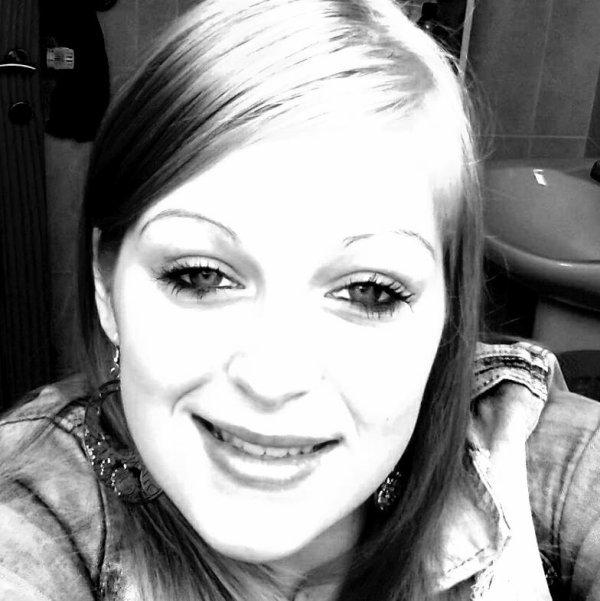 ~ La plus belle femme n'est pas miss monde, mais celle qui m'a mise au monde. ♥