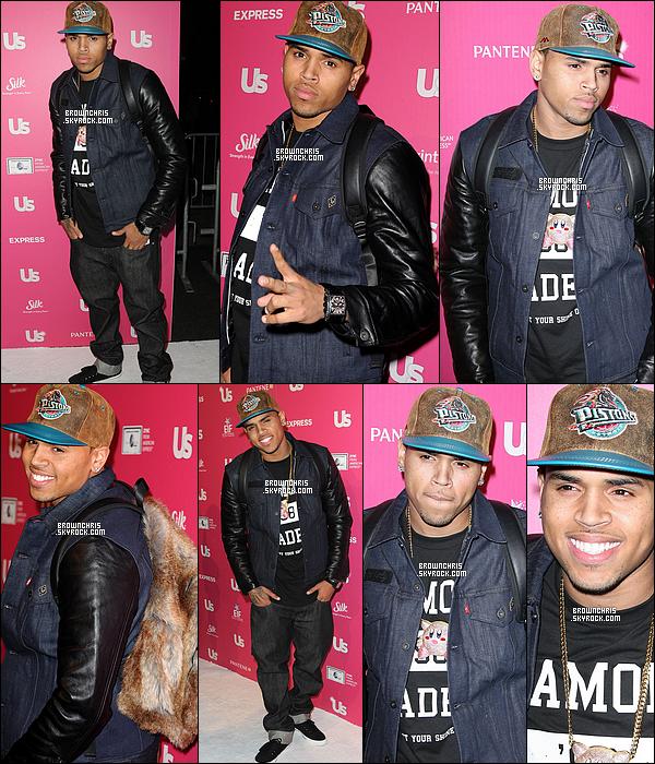 """. 18 Novembre 2010 - Chris était présent à la soirée """"US Weekly's Stars Who Care"""" à Hollywood. TOP ! + Dans l'après midi Chris avait été vu faisant du shopping dans West Hollywood, il a notamment essayer des chapeau. TOP. ."""