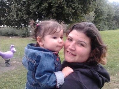 Peggy (soeur de Laurent) et sa fille Kathleen (filleule de Noëmie)