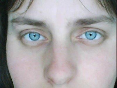 mes yeux bleu ocean que jaim tro !!!!!!!!!