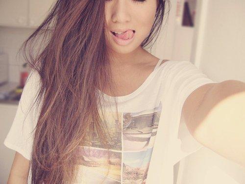 | Tessa est dans la place. |  | Tessa | 16 yo | Single | Perverse | Gourmande | Possessive | Jalouse |