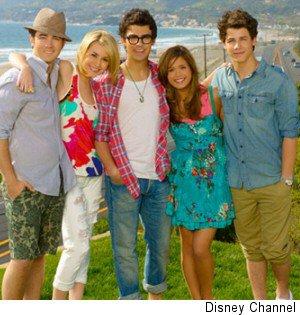 Jonas : Kévin, Joe et Nick (Stella et Macy Nicole Anderson et Cheala Staub)