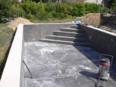 Stratification polyester piscine 10 5m fait maison for Piscine fait maison