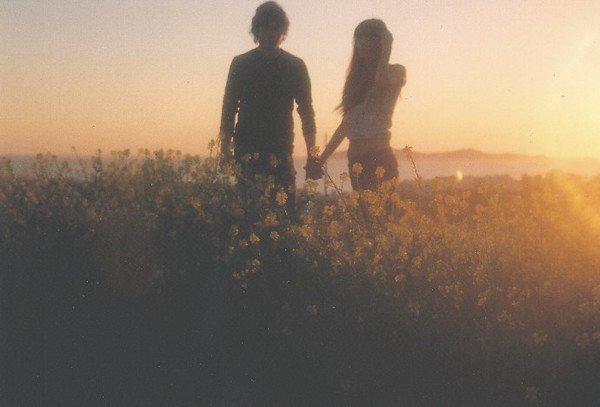 """""""On a grandi ensemble, construit ensemble, traversé les pires moments. Vieillir ensemble, c'est ce qu'on voulait, même si on n'était plus ensemble, on s'en foutait c'est ce qu'on visait. Tu te rappelles, nos fous rires, nos premiers instants, ton sourire, les moments de silence qui voulaient tout dire. T'étais ma vie, mon c½ur et mon sang, t'étais mes tripes, mon moteur et mon sens à tout ça."""""""