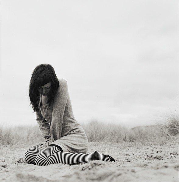 """""""Depuis que je suis loin de toi, je suis comme loin de moi. Et je pense à toi là-bas. Oui, j'ai le mal de toi parfois, même si je ne le dis pas, je pense à toi tout bas."""""""